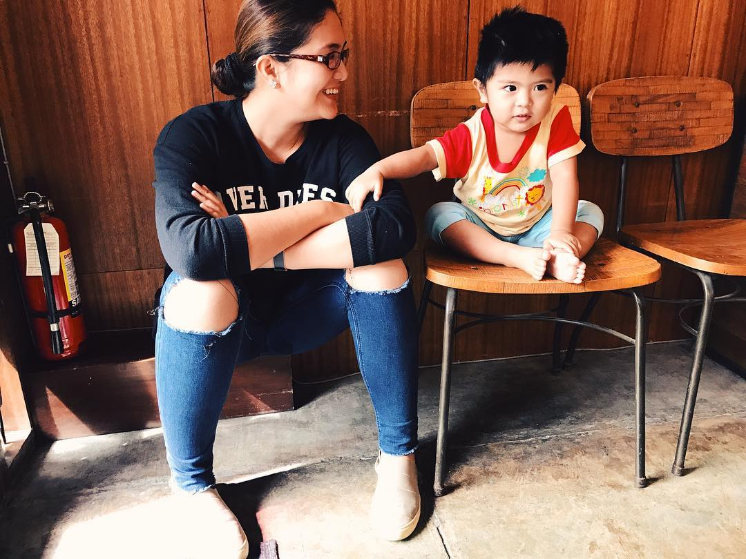 32 photos of Dimples and her kids that show the priceless perks of being a Mommy!